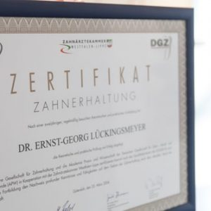 Dr. Lückingsmeyer · Zertifikat